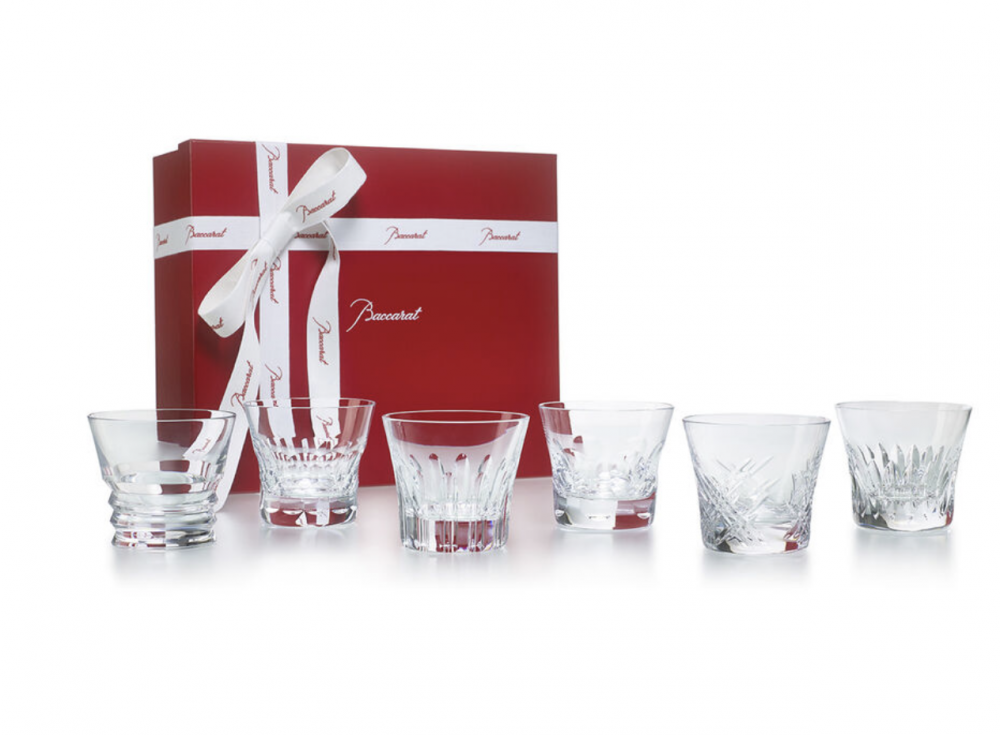 Crystal glasses EVERYDAY BACCARAT CLASSIC. Discover the new EVERYDAY BACCARAT, a stunning collection of six perfectly crafted cut crystal glasses each with a different creative pattern. Perfect at any time of day to savor your drink of choice, from the morning juice to the afternoon soft drink to the pre-dinner spritz. The EVERYDAY BACCARAT box is the perfect gift for family, friends and for yourself. This box contains 6 tumblers: the Beluga, Etna, Vega, Biba, Stella and the Rosa measuring 8.5 cm. Price €390